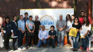 El Director de Carrera, DI Orlando Ottaviano, el Prof. DI Emilio Peruzzi, auxiliares y estudiantes durante la entrega de proyectos.
